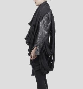 Showpiece string vest