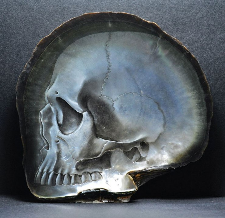 mother-of-pearl-shell-skull-carving-gregory-halili-9