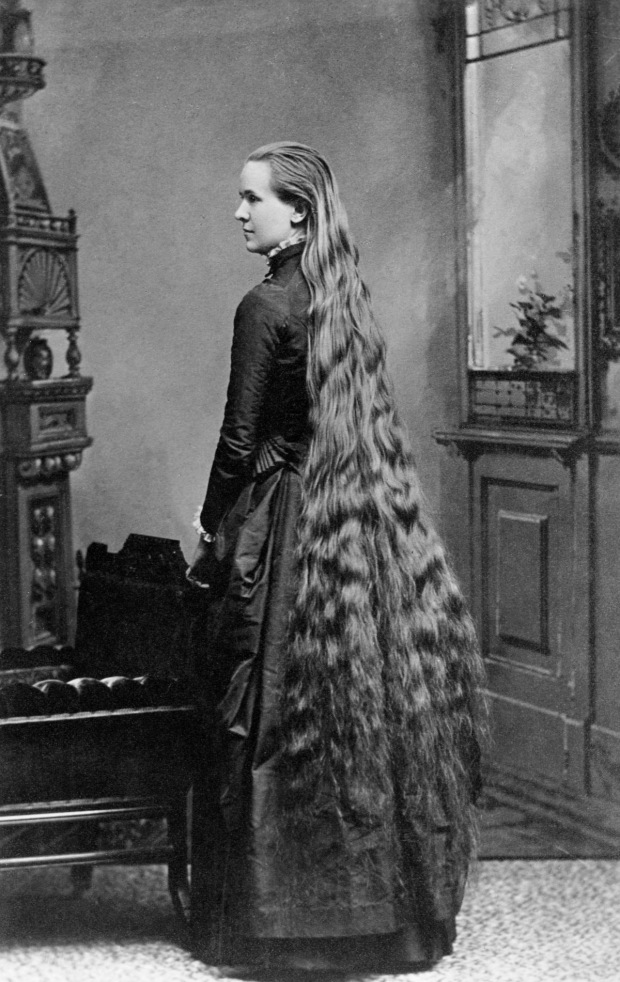 ca. 1914-1919 --- Very Longhaired Woman --- Image by © CORBIS