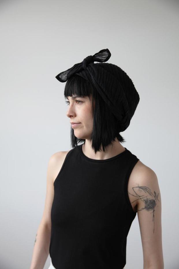 headscarf_black_linen_ovate_6_1024x1024