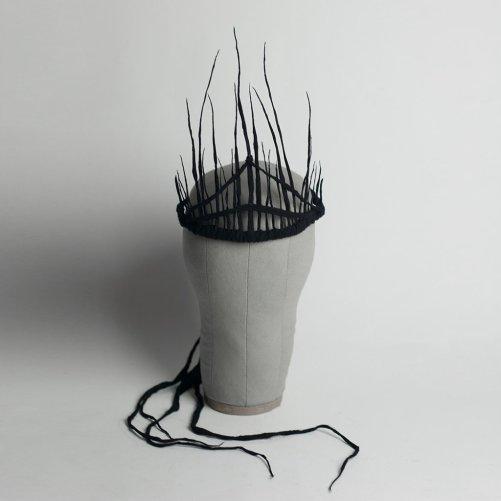 apatico-corvo-crown-headpiece-witchy-spiked-wraith-tiara-diadem-headdress-black-gauze-front-crop_1024x1024