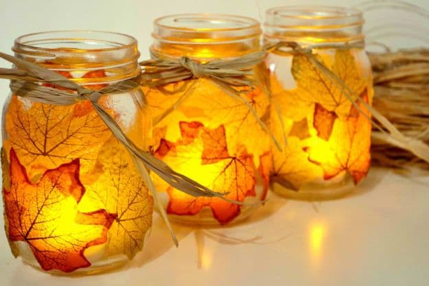 Easy-And-Fun-DIY-Crafts-For-Fall-Fall-Decor-Ideas-Autumn-Leaf-Mason-Jar-Candle-Holder